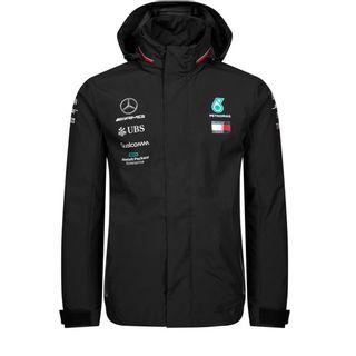 20889_Jaqueta-Rain-Oficial-Equipe-F1-2019-Masculina-Mercedes-Benz-Preto