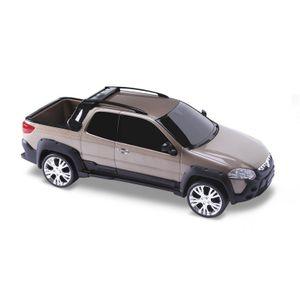 60129_Miniatura-de-carro-Fiat-Strada-Adventure-special-Infantil-Fiat-Dourado
