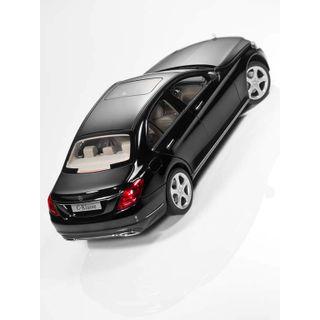 B66960255_2_Miniatura-de-carro-Classe-C-preto-obsidiana-tam-118-Unissex-Mercedes-Benz
