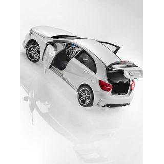 B66960126_2_Miniatura-de-carro-Classe-A-cor-branco-cirro-Mercedes-Benz