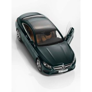 B66961244_2_Miniatura-de-carro-Coupe-Unissex-Mercedes-Benz-Verde